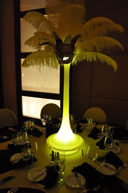 Feathers Centerpieces FCP-05