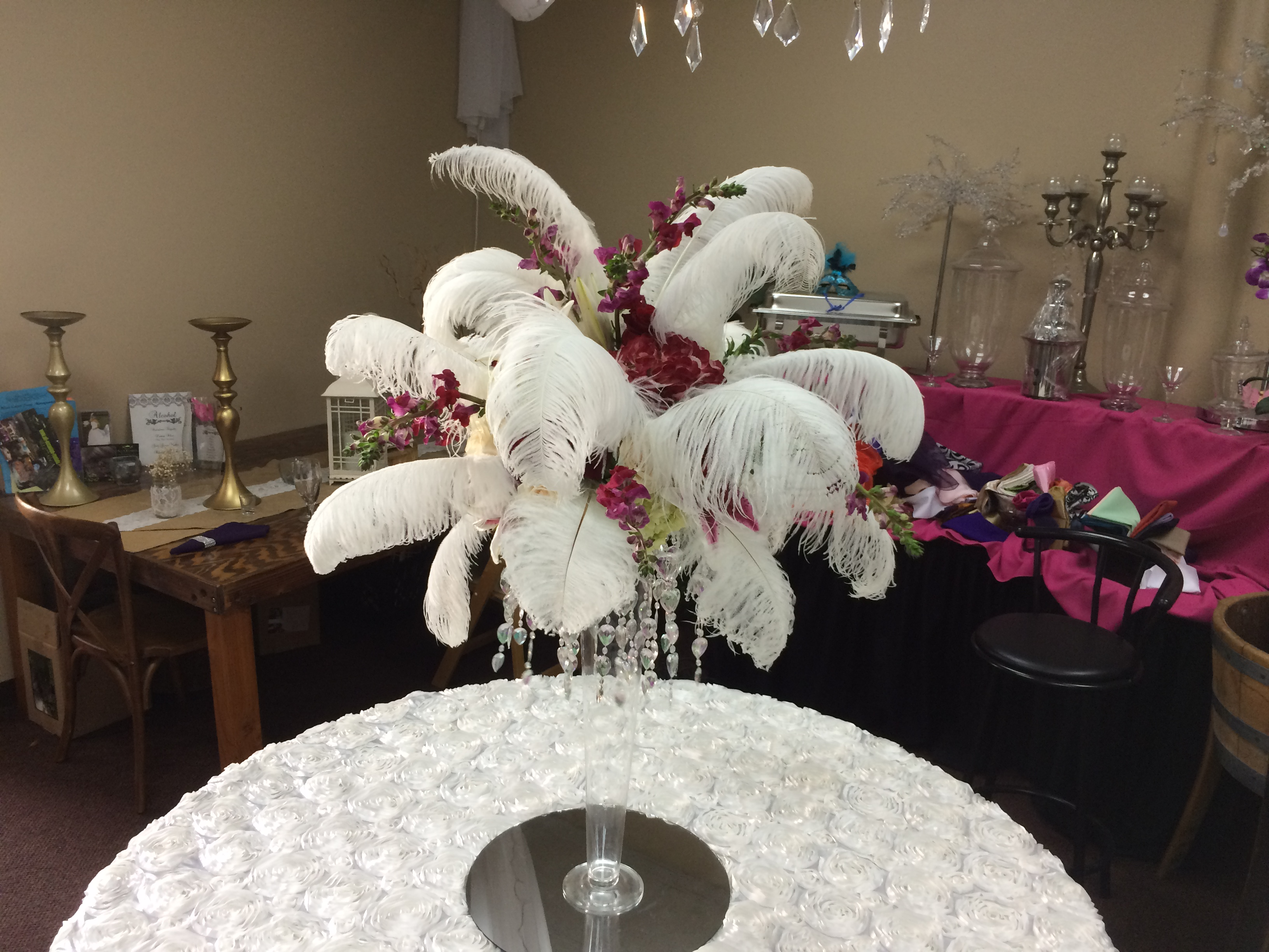 Feathers Centerpieces FCP-101